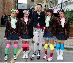 new-gwen_stefani_gwen-harajuku_girls