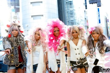 japanese-gyaru-black-diamond-007-600x400
