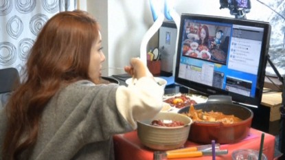 South Korea's online trend: Paying to watch a pretty girl eat – Source: CNN Asia